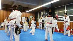 兵庫県姫路市で習い事をお探しなら、兵庫県テコンドー協会姫路支部「荒川道場」へ